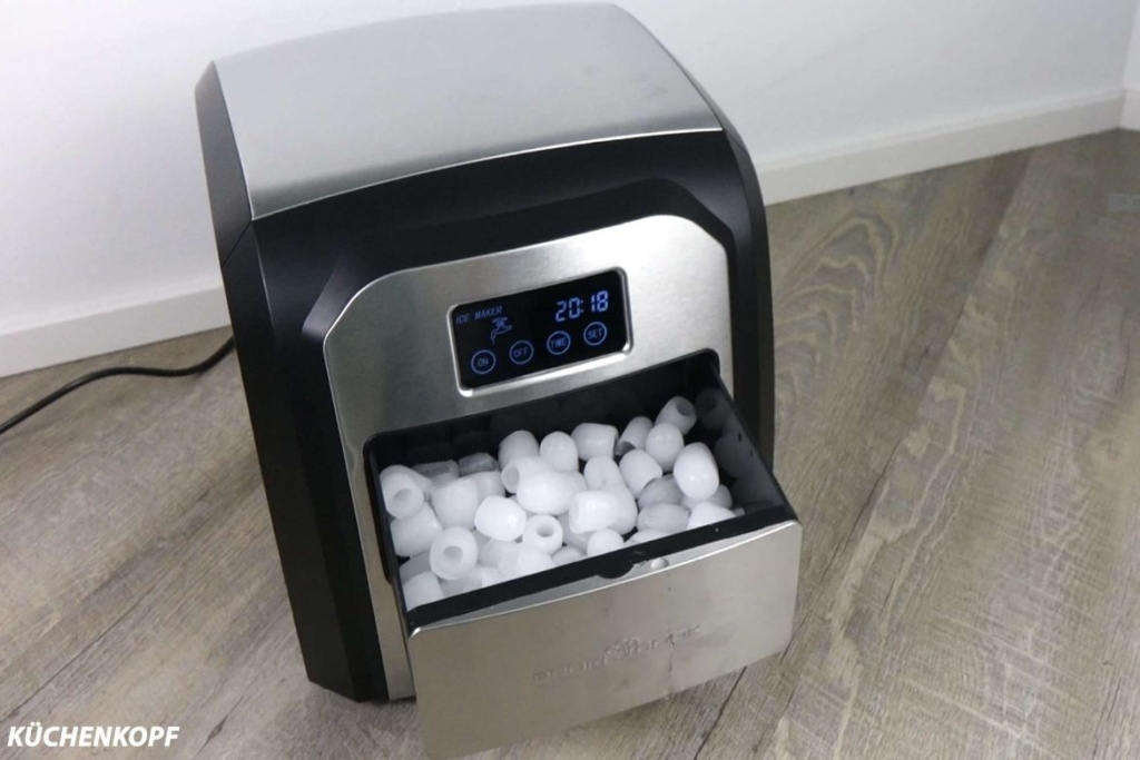 Eiswürfelmaschine-Test-Profi-Cook-pc-ewb-befüllt