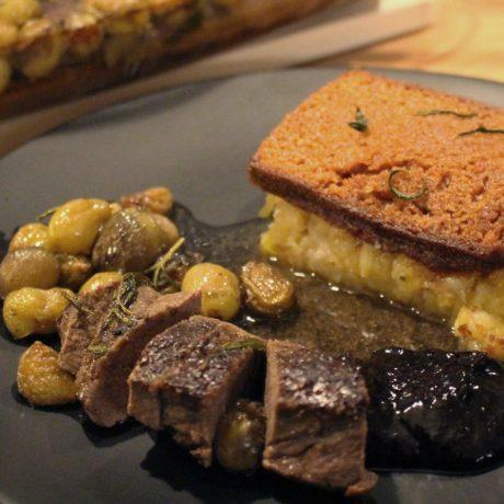 Hirschrücken mit Chicorée-Kartoffelpüree und Pflaumenmus
